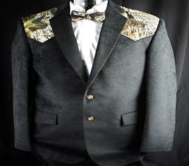 Black Ultrasuede Sport Coat with New Mossy Oak Breakup ® Yoke
