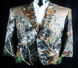 The Formal Sportsman Mossy Oak Break Up ®  Sport Coat with a Tan Yoke Wedding