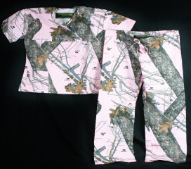 The Formal Sportsman Nursing Camo Scrubs Set - Pink Mossy Oak Break-Up ®