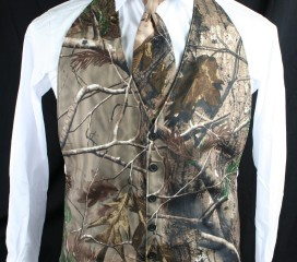 The Formal Sportsman Realtree AP ® Camo Backless Vest Formal and Wedding